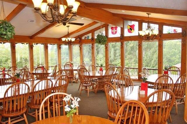 Peachy The 10 Best Amish Country Restaurants In Ohio Download Free Architecture Designs Xoliawazosbritishbridgeorg