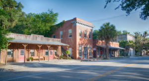 10 Slow-Paced Small Towns In Florida Where Life Is Still Simple