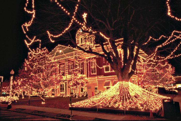 12 Christmas Light Displays In Arkansas That You Have To See This Year
