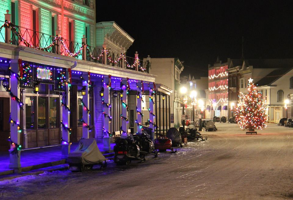 The 10 Best Main Streets In Michigan At Christmas