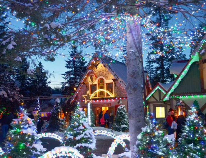 Christmas Light Attractions