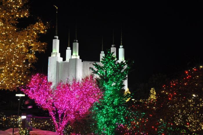 DC Temple Festival of Lights, Kensington - 10 Best Christmas Light Displays In Maryland 2016