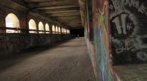 Most People Don't Know This Abandoned Subway In New York Even Exists