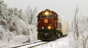 The Magical Holiday Train Ride In Arkansas Everyone Should Experience At Least Once