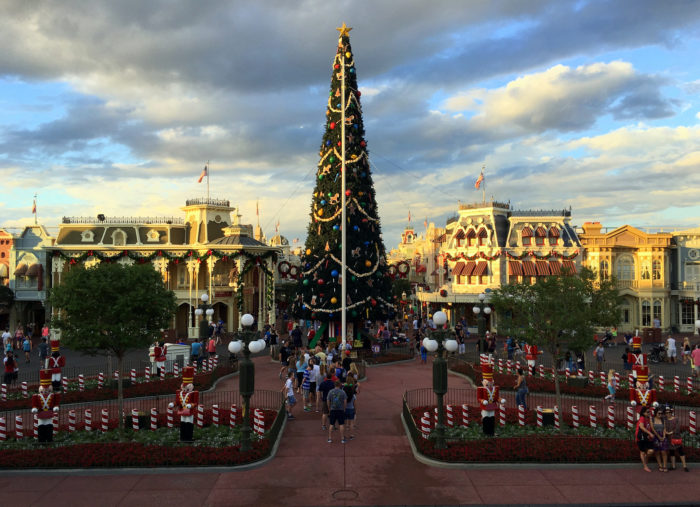 12 Things Everyone Should Do For Christmas In Florida