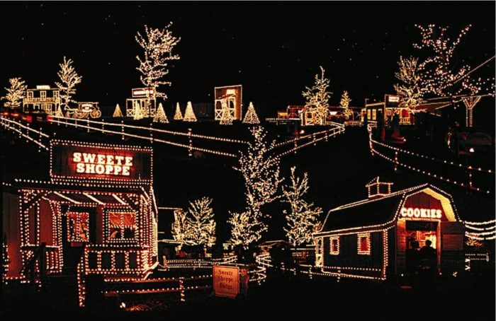 Overly's Country Christmas – 116 Blue Ribbon Lane, Greensburg, PA 15601 - 7 Best Christmas Light Displays In Pittsburgh 2016