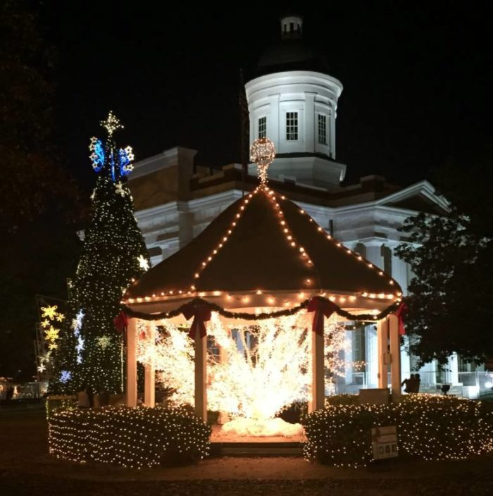 Country Springs Christmas Lights