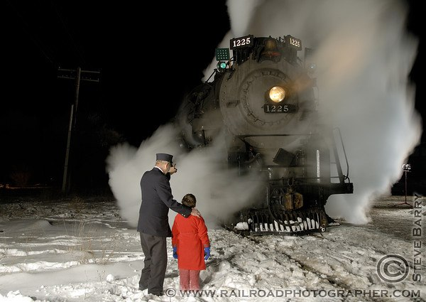 National Railroad Museum >> Take The Magical Polar Express Train Ride In Wisconsin In 2016
