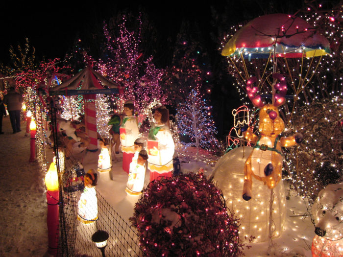 Boise Christmas Light Trolley Tours & 11 Best Christmas Light Displays In Idaho 2016