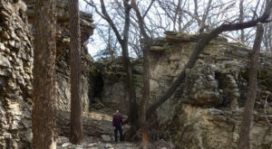 11 Picturesque Trails In Kansas That Are Perfect For Winter Hiking