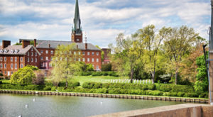 The Chapel In Maryland That's Located In The Most Unforgettable Setting