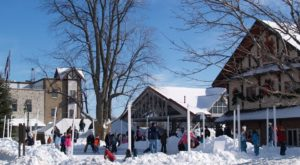 The One Town In Michigan That Turns Into A Winter Wonderland Each Year