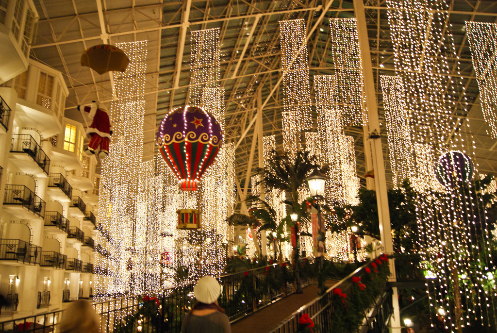 The 10 Best Christmas Towns In Tennessee In 2016
