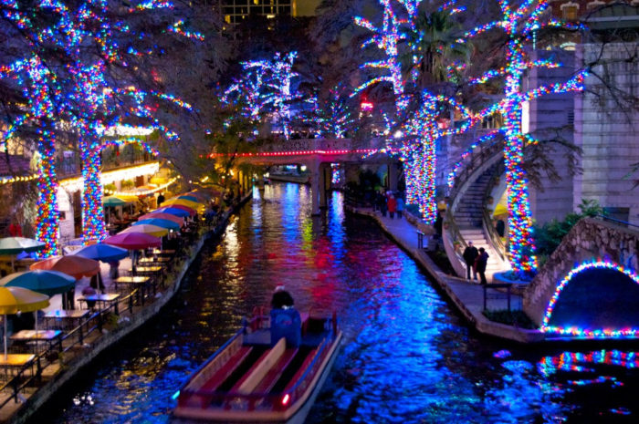 The Road Trip To The Best Christmas Lights In Texas In 2016