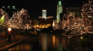 10 Christmas Light Displays In Nebraska That Are Pure Magic