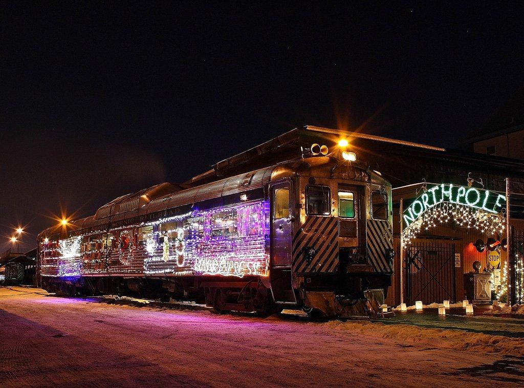 The Christmas Express Is Minnesota S Polar Express Train Ride