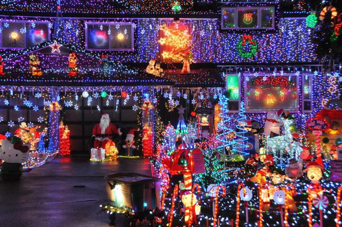 Best Neighborhoods For Christmas Lights