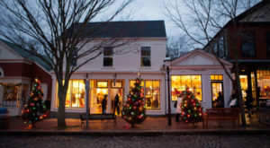 Here Are The 12 Most Enchanting, Magical Christmas Towns In Massachusetts