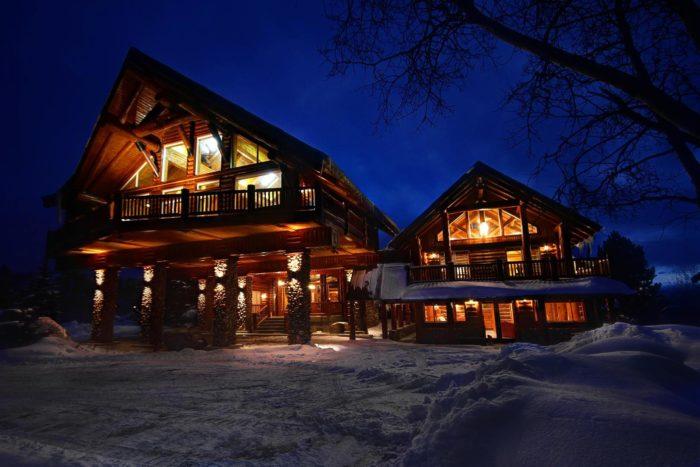Timber moose lodge in utah the largest private log cabin for Utah log cabins