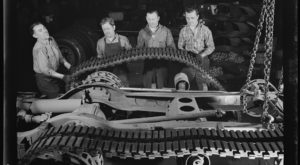 15 Very Rare Photos Taken During WWII In Cleveland