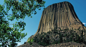 The Story Behind Devils Tower In Wyoming Is Incredibly Unique