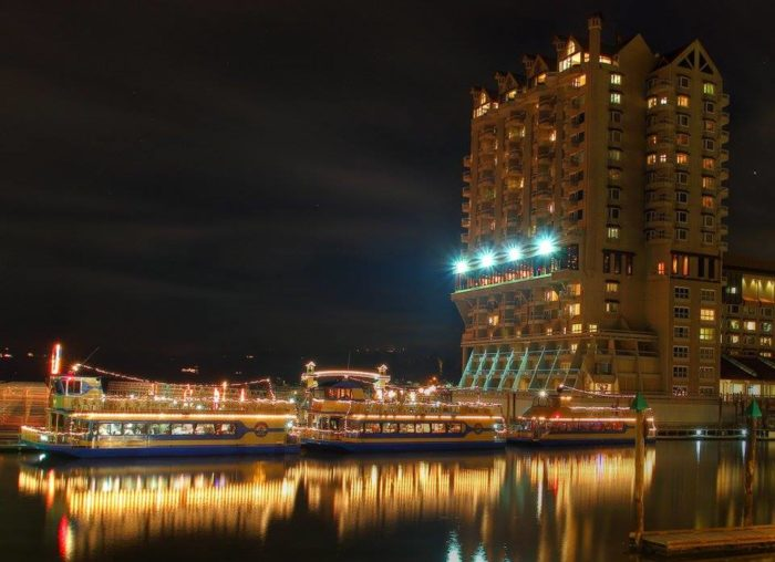 Take This Magical Christmas Cruise In Idaho Straight To