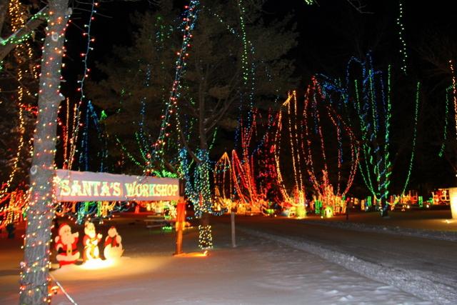 - 11 Best Christmas Light Displays In Wisconsin 2016