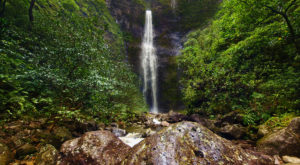 14 Trails In Hawaii With An Undeniably Amazing Final Destination