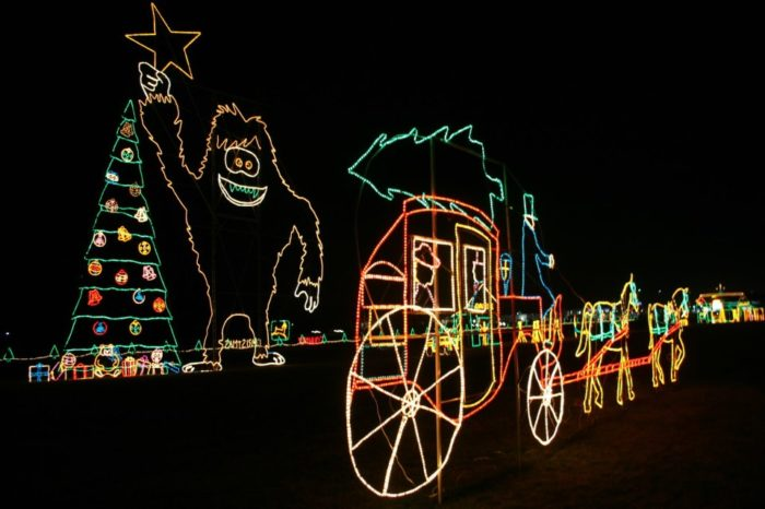 reynolds farm equipment john deere free christmas lights displayfacebook - Animated Christmas Light Displays