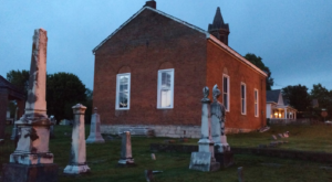 This Spooky Small Town In Missouri Could Be Right Out Of A Horror Movie