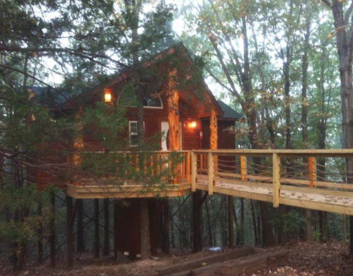 Explore The 5 Most Unique Treehouses In Missouri
