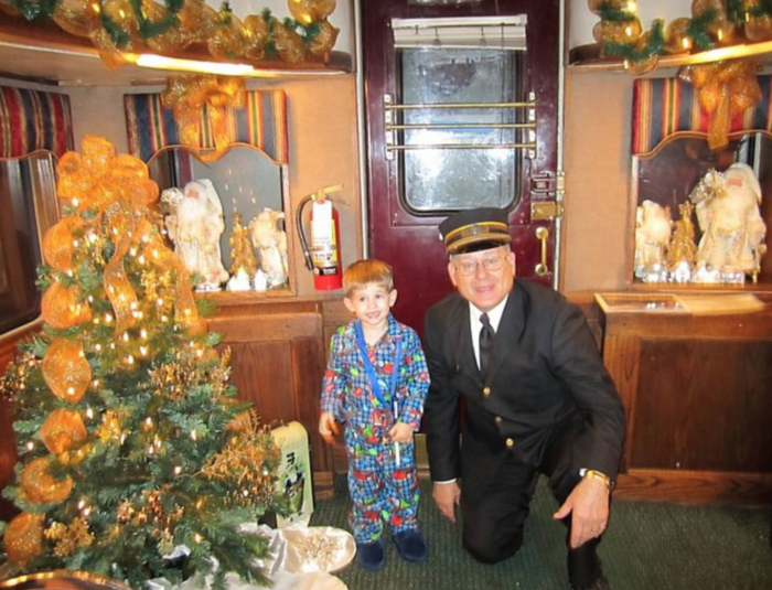 Take A Ride On The Most Magical Polar Express In Missouri