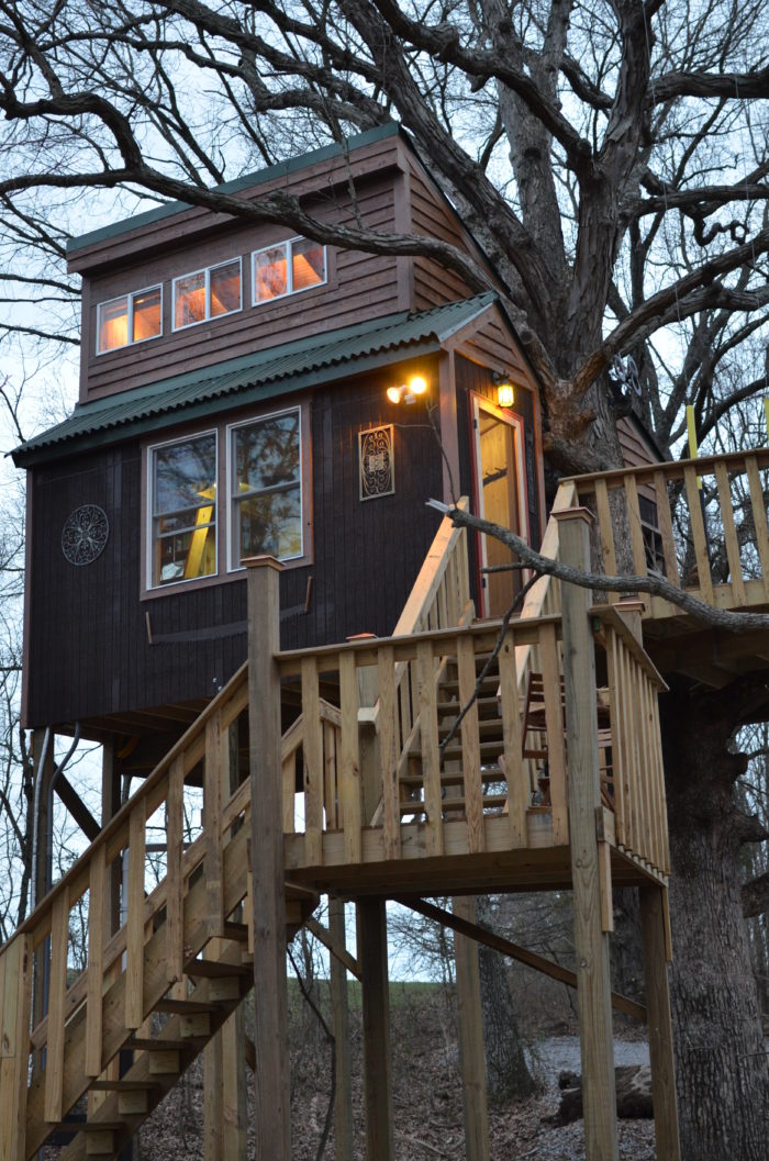 9 of the most unusual unique places to stay in illinois - Hotels near garden of the gods illinois ...