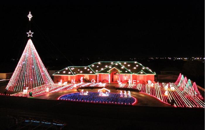Synchronized Christmas Light Show