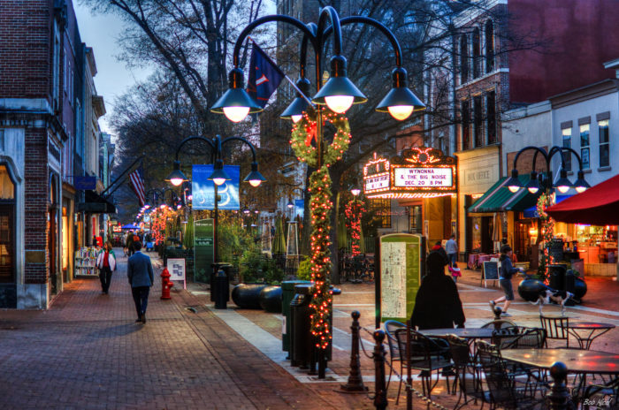 13 Best Christmas Towns Near Washington DC 2016