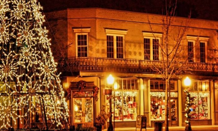 10 Of The Most Enchanting Magical Christmas Towns In South Carolina - Christmas Lights In Sc