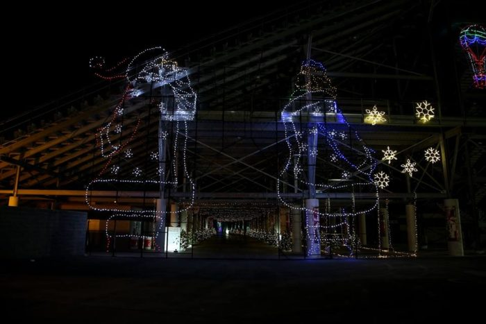 11 best christmas light displays in nevada 2016 for Motor speedway las vegas christmas lights