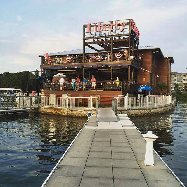 11 Incredible Waterfront Restaurants In South Carolina