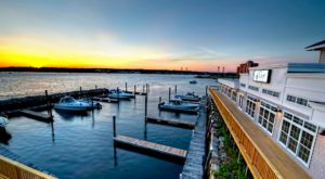 6 Massachusetts Restaurants Right On The River That You're Guaranteed To Love