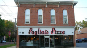 The Pizza Bucket List In Iowa That Will Make You Think You Died And Went To Heaven