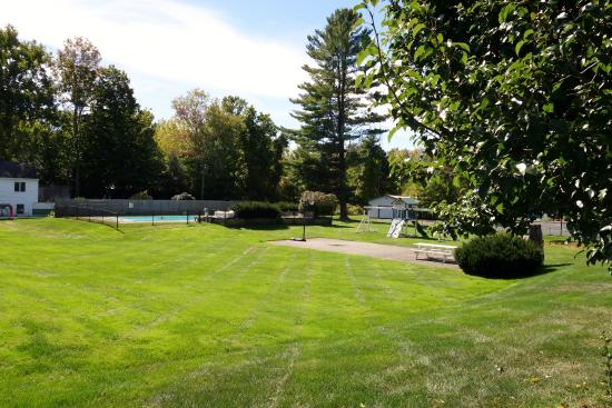 10 affordable places to stay overnight in massachusetts for Affordable pools ma