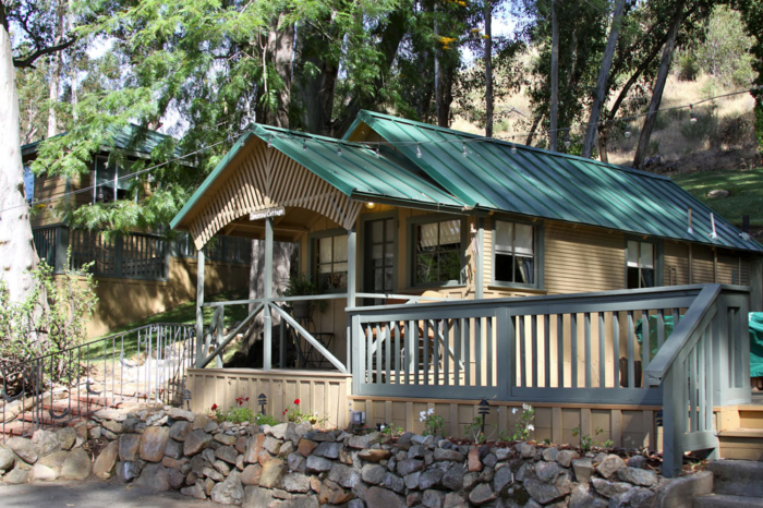 6 charming winter cabins in southern california for Cabin rentals in southern california