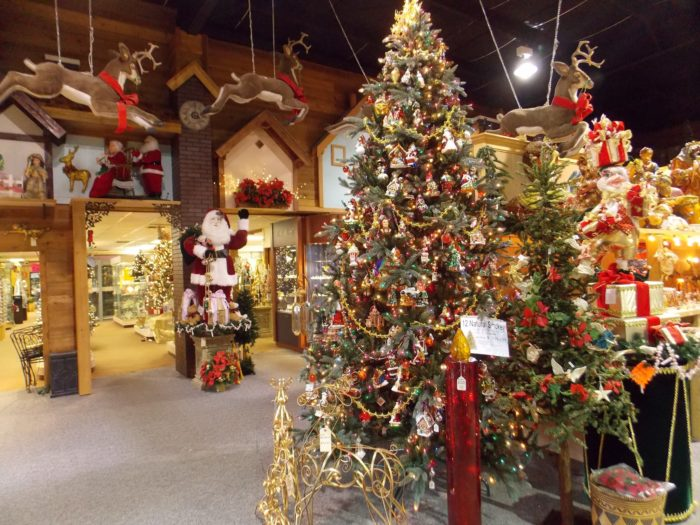 Robert Moore & Co. Christmas Town: Best Christmas Store In Alabama