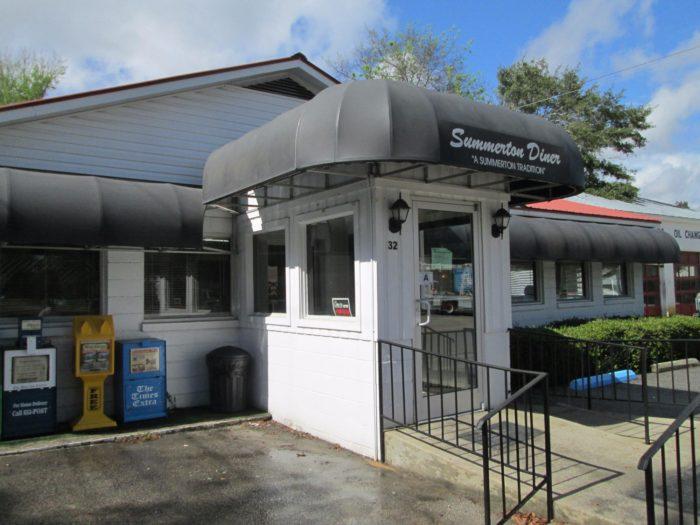 13 must visit south carolina diners drive ins and dive for Diners drive ins and dives charleston south carolina