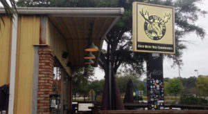 The Quirkiest Restaurant In South Carolina That's Impossible Not To Love