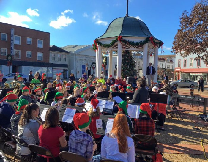 13 Best Christmas Towns Near Washington Dc 2016