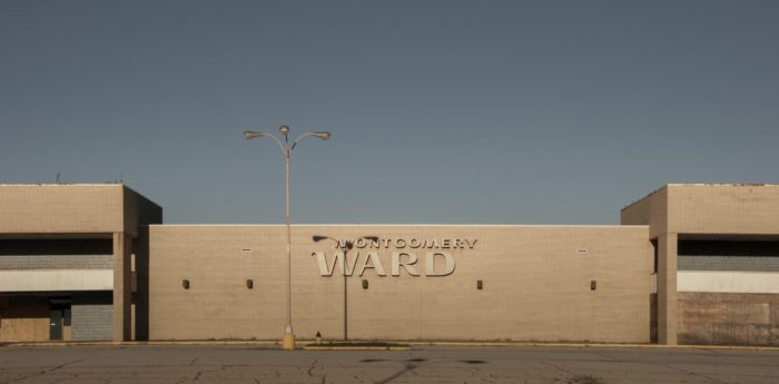 Des Moines Shopping >> The Abandoned Mall In Kansas City Is Completely Eerie