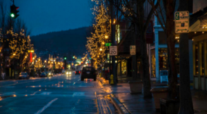 Here Are The 10 Most Enchanting, Magical Christmas Towns In Washington