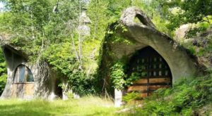 The Enchanting House In Wisconsin That Looks Like Something From Middle Earth