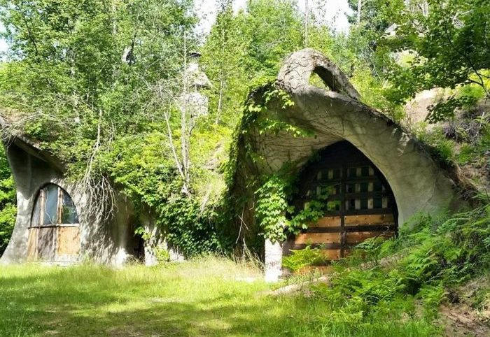 This Real Life Hidden Wisconsin Hobbit Home Is For Sale